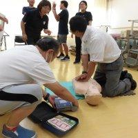 夏の職員研修⑩「AED講習」