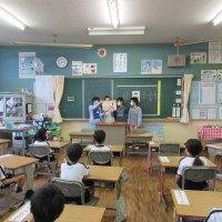 7月14日(火)図書委員による低学年への読み聞かせ